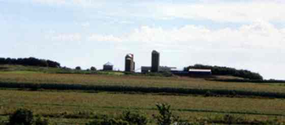 Farm along the back roads of Minnesota, copyrighted by Bizgrok